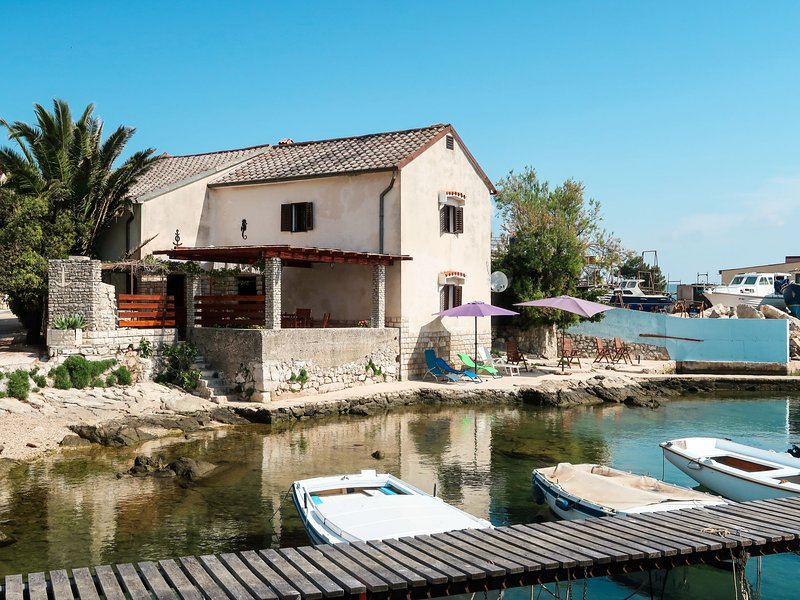 Delfar (LSJ100), vacation rental in Nerezine