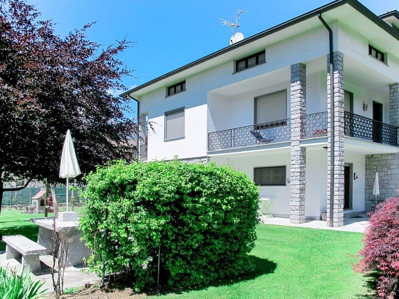 Serena (LMZ180), vacation rental in Borgonuovo