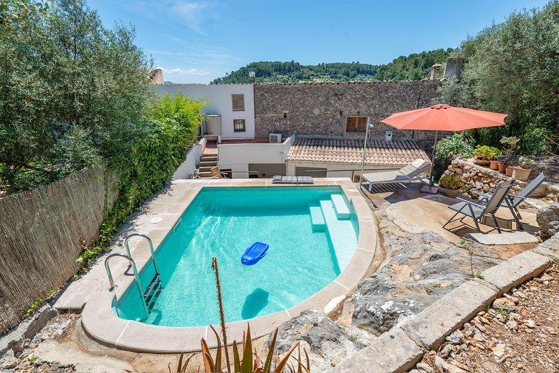 CAN BESSÓ MANCOR DE LA VALL - Villa for 4 people in Mancor de la Vall, vacation rental in Selva