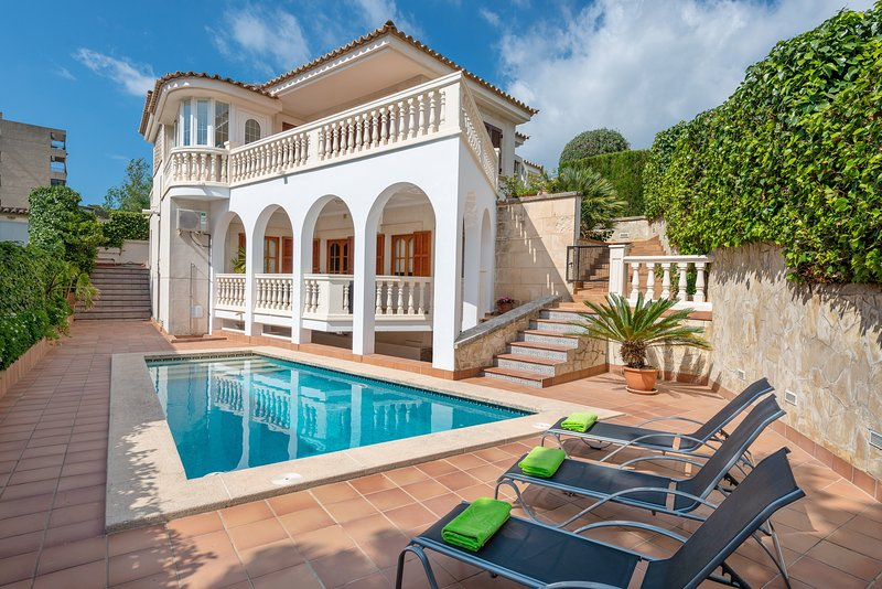 VILLA TEULERA - Villa for 5 people in Palma de Mallorca, holiday rental in Portals Nous