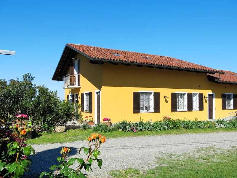 Sole (VII205), vacation rental in Cortiglione