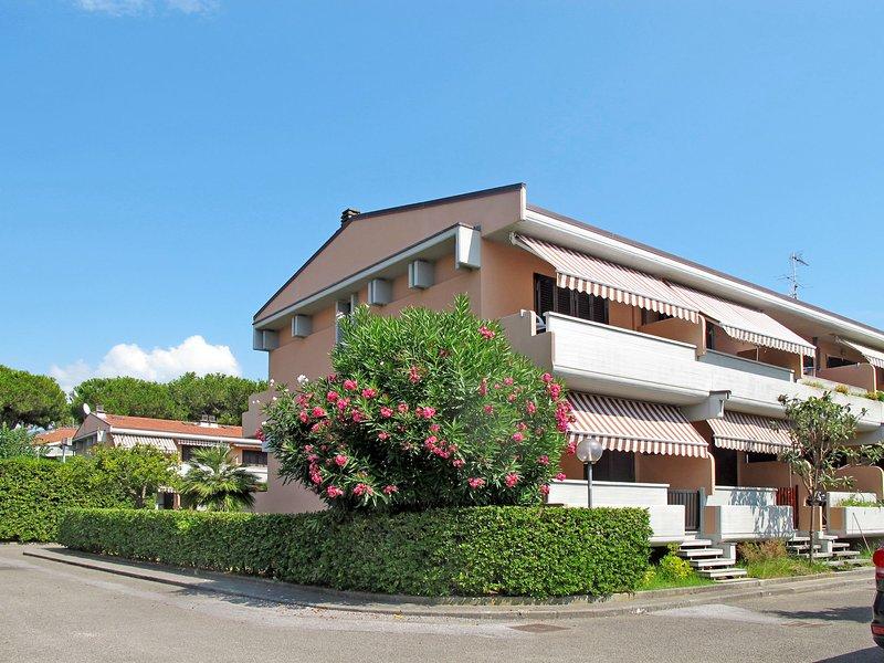 Marina Residence (MAS325), holiday rental in Ronchi