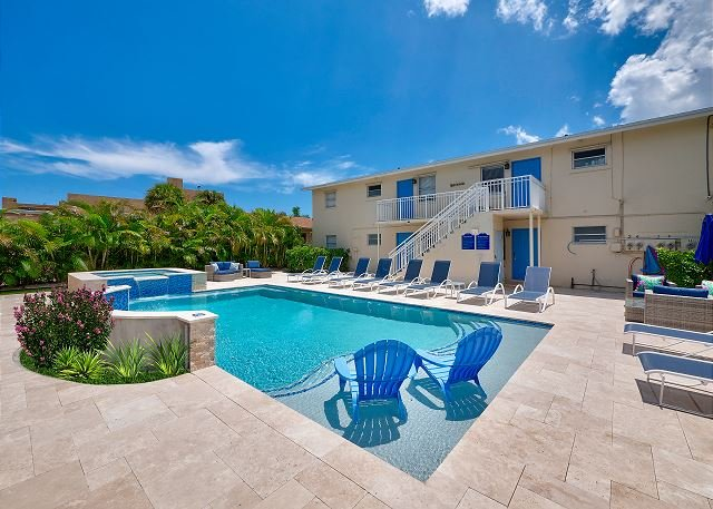 Seas the Day 5: Boutique Suite by the Pool - Walk to Beach & Restaurants!, vacation rental in Singer Island