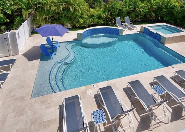 Seas the Day 1: Beach Condo w/ Pool & Spa - Steps to the Sand!, vacation rental in Riviera Beach