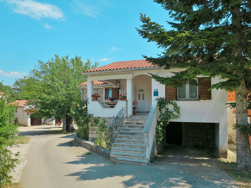 Tominka (IPC135), vacation rental in Potpican