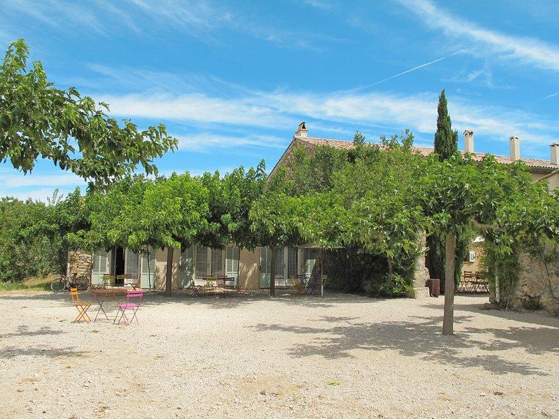 Pistachier (OLL105), location de vacances à Pourrieres