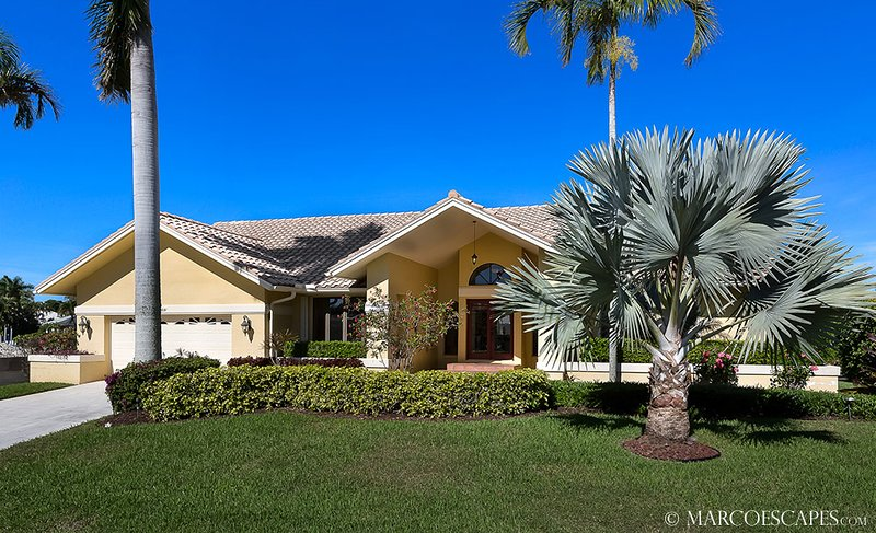 OSPREY COURT - Direct Gulf Access, Walk to the Beach !!, vacation rental in Marco Island