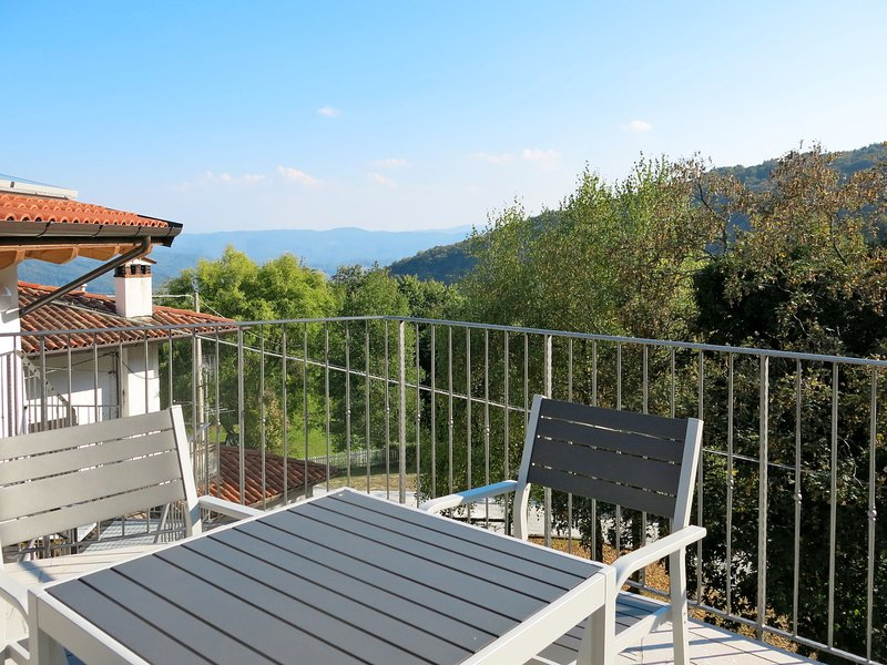 Casa del Castagno (NAT402), vacation rental in Stregna