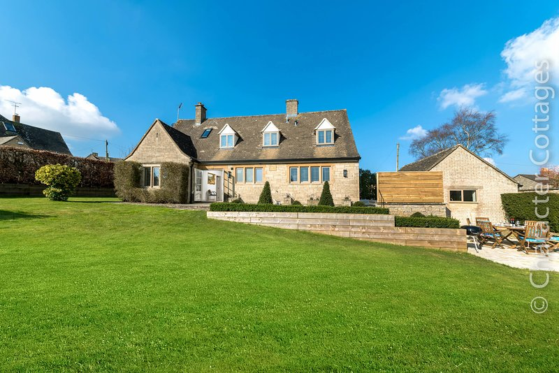 Swingletrees is an elegant home located in the market town of Stow-on-the-Wold., vacation rental in Upper Oddington