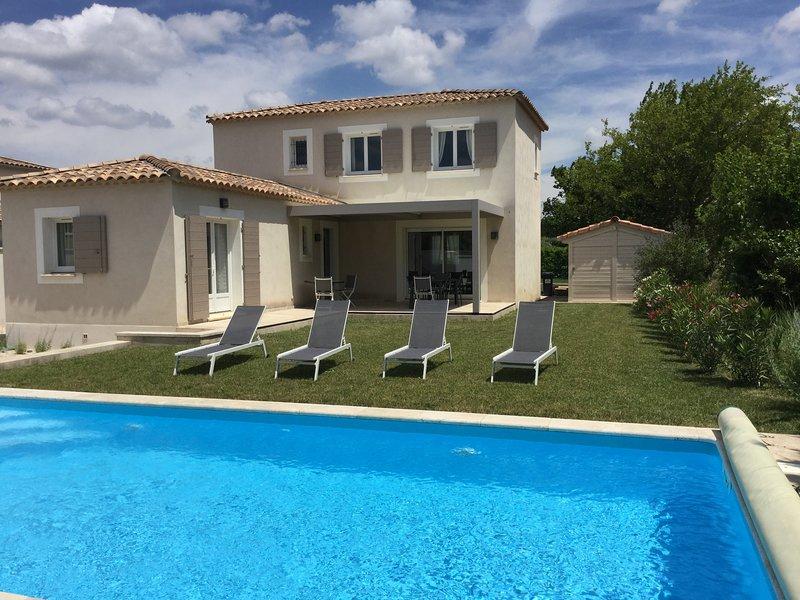 LS1-302 BOUVINO Beautiful villa in the heart of a village in the Alpilles, vacation rental in Saint-Martin-de-Crau