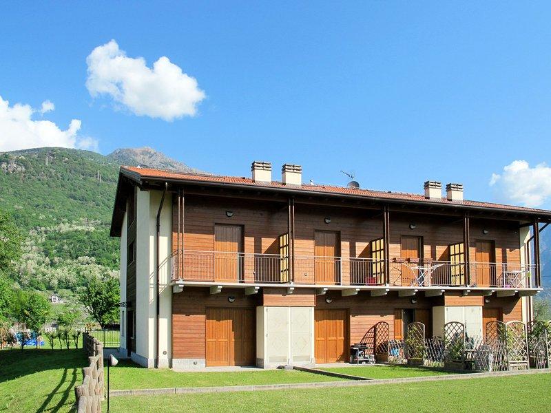 Borgo Poncetta (SRC149), vacation rental in Dascio