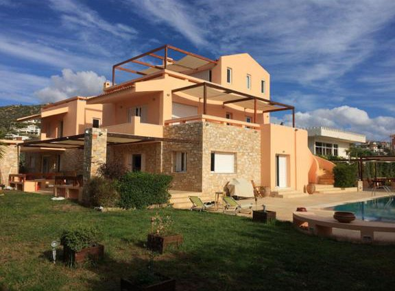 Deluxe 5 bdrm Villa w/Pool next to the beach, holiday rental in Anavyssos