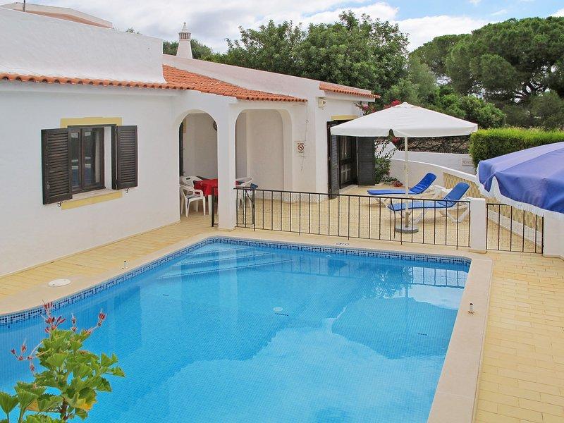 Neves II (ABU141), vacation rental in Calvana