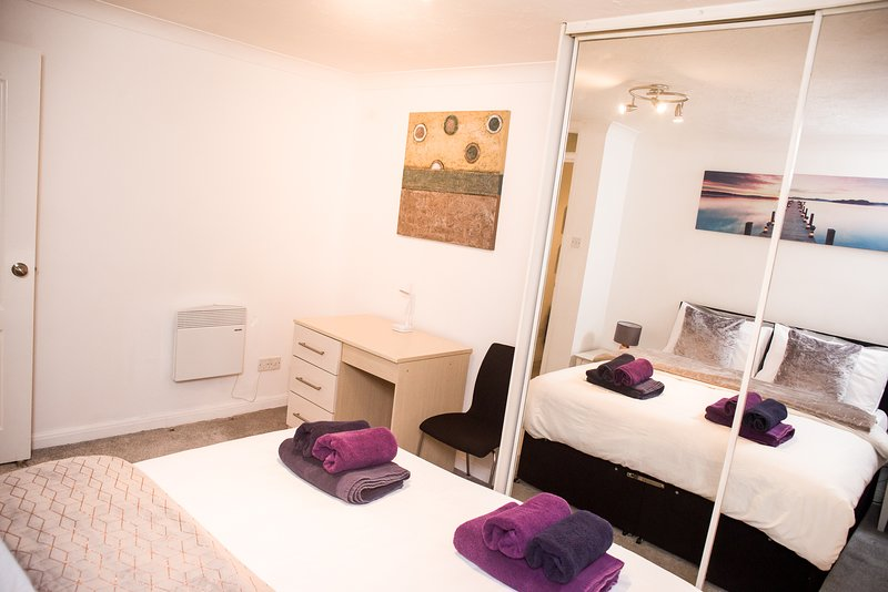 Southend Rise Apartment, holiday rental in Leigh-on Sea
