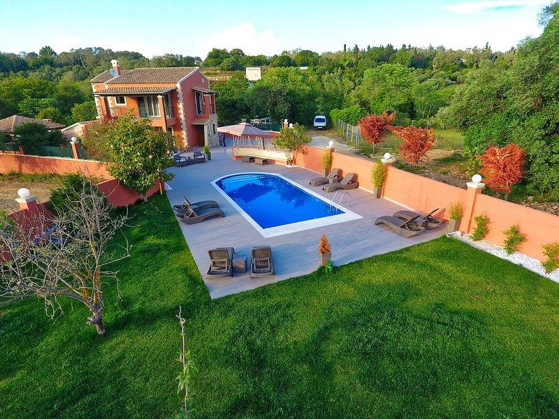 Villa Alex, holiday rental in Kalafationes