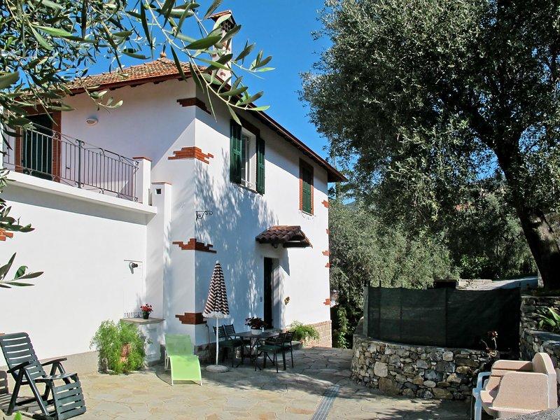 Ca' di Nonni (DIA105), vacation rental in Diano Borello