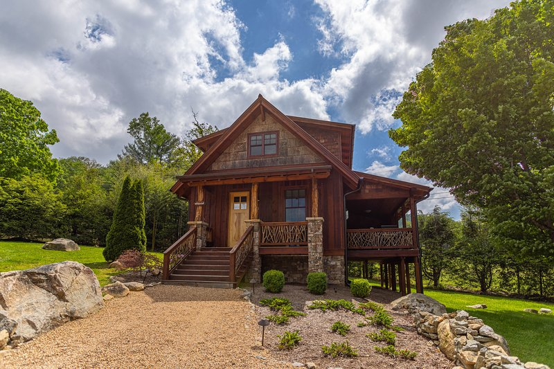 White Tail River Cabin at Eagles Nest, holiday rental in Banner Elk