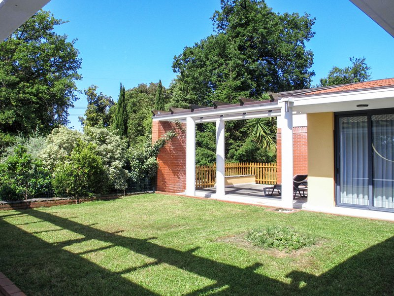 Vittoria (CTO300), location de vacances à Azzano