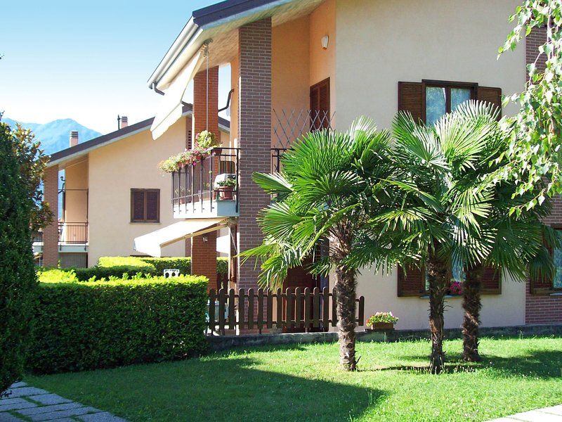 Parco Musadino (PVA110), vacation rental in Porto Valtravaglia