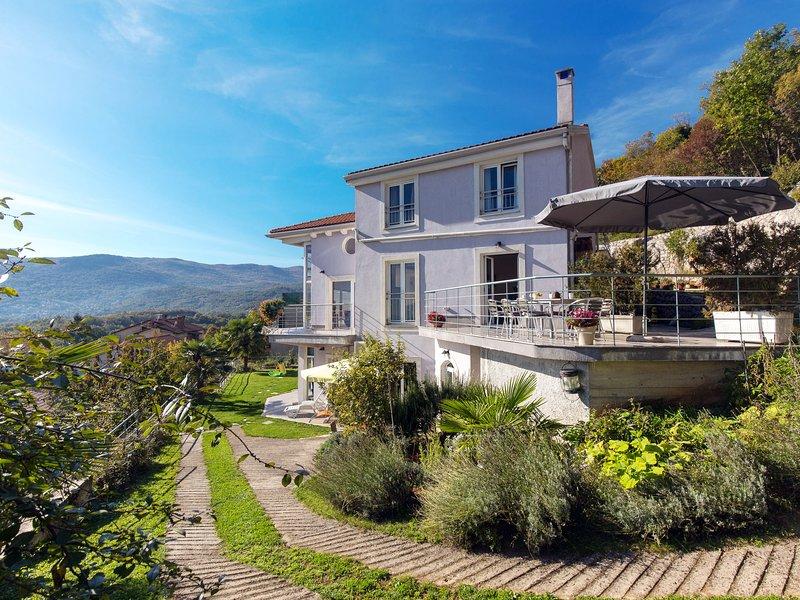Bella Vista (OPA100), holiday rental in Pasjak