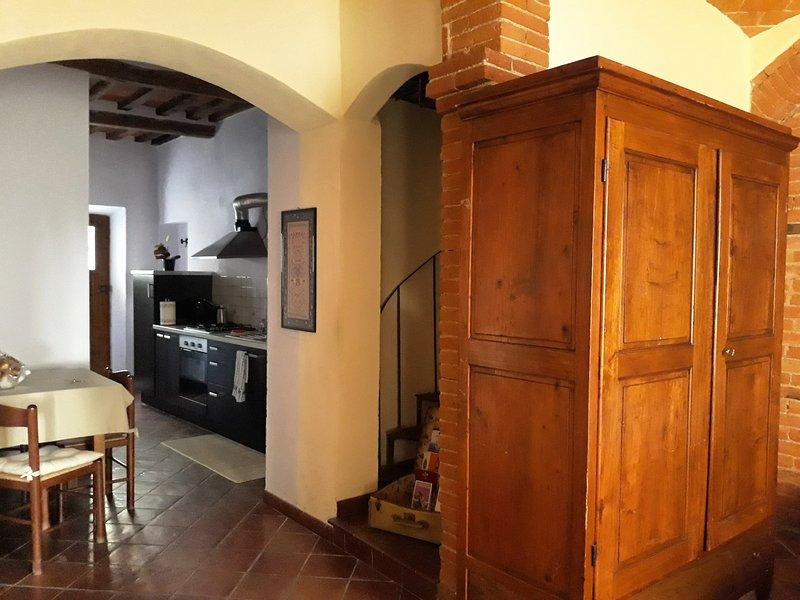 YourTuscanLoft LowCost B&B SmartTraveller, vacation rental in Santarello