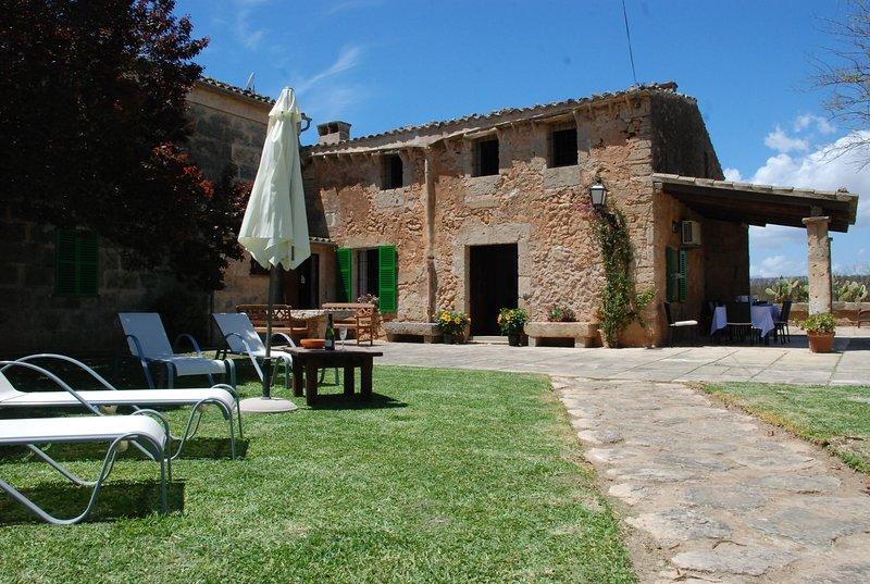 Casa tradicional en s'Aranjassa, Piscina Privada, 5' Playa. Limpieza y Seguridad, location de vacances à El Arenal