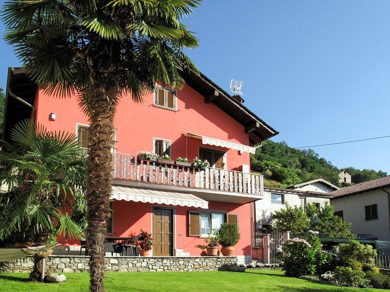 Martina (DGO146), casa vacanza a Dongo