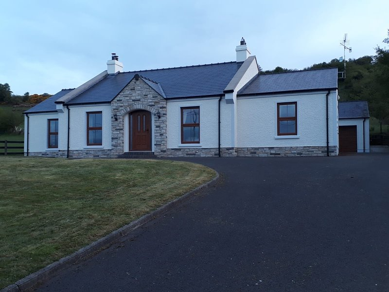 Ardarver Cottage, holiday rental in Kesh