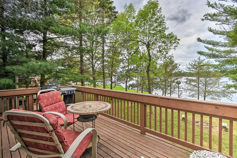 NEW! 4 Season Lake House, 7 Miles to Sand Valley!, holiday rental in Plainfield