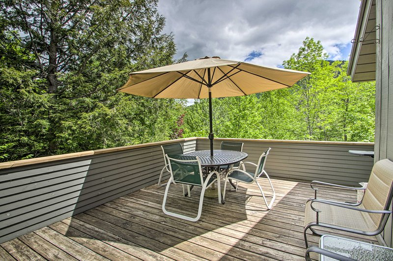 Sit outside on the deck and dine al fresco at the outdoor table.