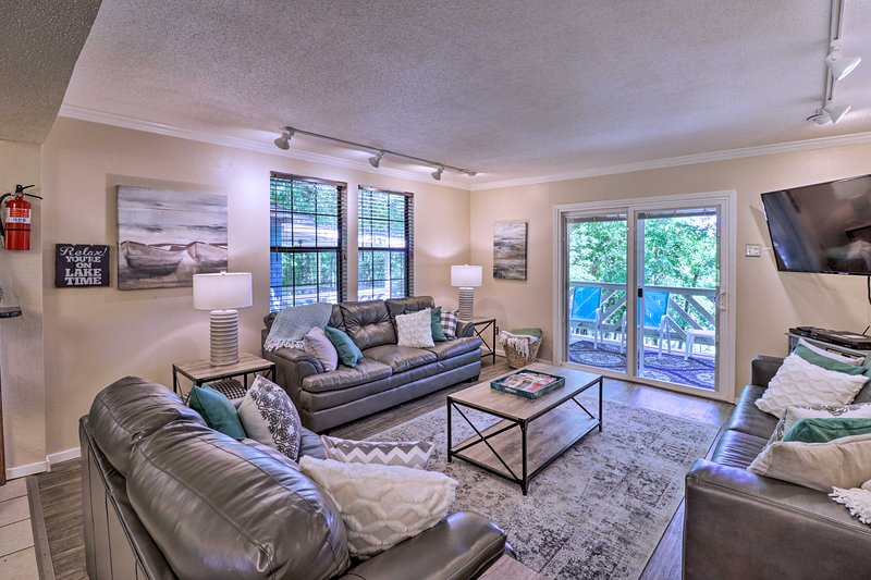 Get out and explore Royal from this 4-bed, 2-bath vacation rental house.
