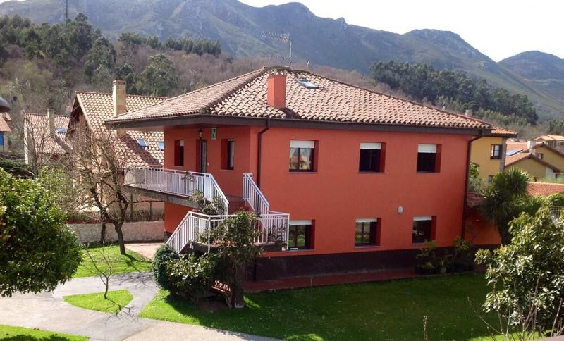 Vivienda Vacacional La Pesa, vacation rental in Ovio