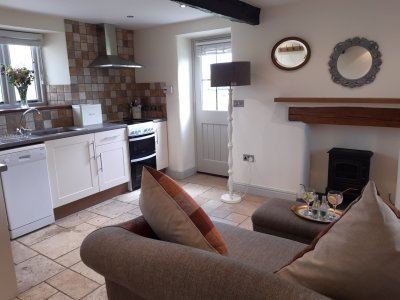 Stunning Farm Cottage, near Silecroft Beach, west coast of Cumbria, Sleeps 2, vacation rental in Bootle