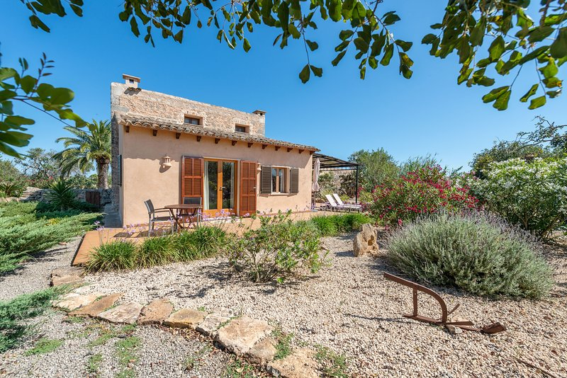 CAN MIQUEL - Villa for 3 people in Santanyi, holiday rental in Cala Mondrago