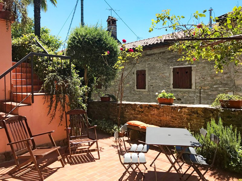 Cinzia (AZO100), vacation rental in Bee