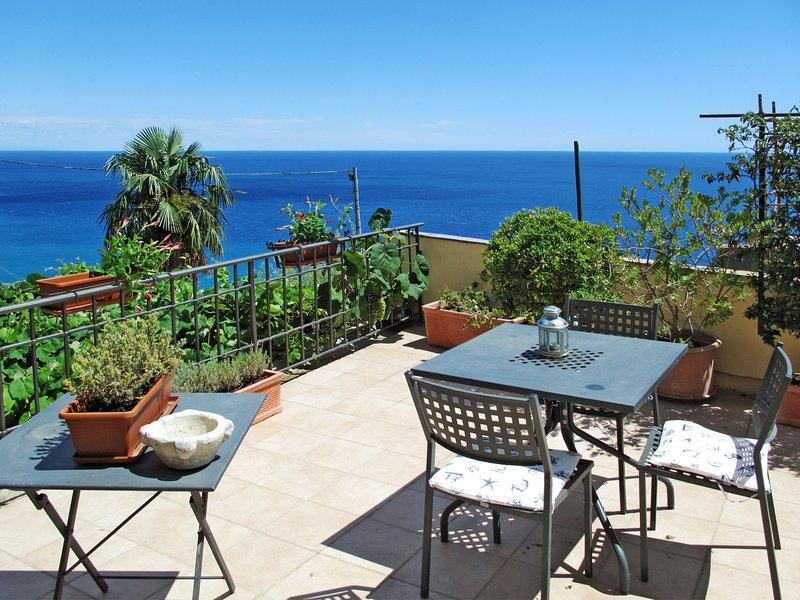 Gaia (FLG135), holiday rental in Spotorno