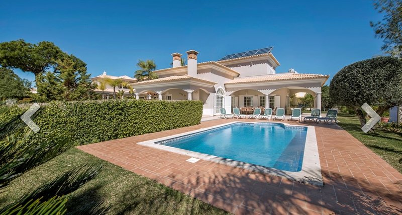 Luxury Villa José with swimming pool, vacation rental in Vilamoura