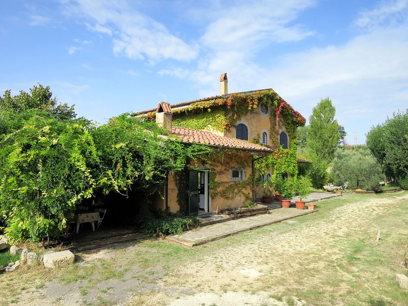 Villa Brunori (CFF100), holiday rental in Poggio Moiano