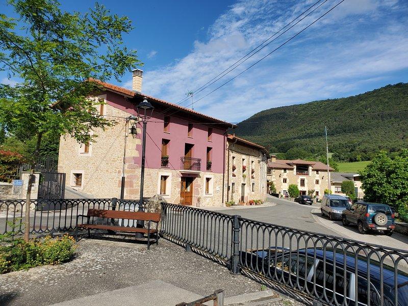 Casa de pueblo en Basabe,cerca de Boveda. Cerca del Parque Natural de Valderejo., alquiler de vacaciones en Frías