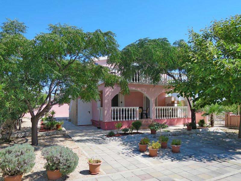 Belz (VIR143), holiday rental in Vir