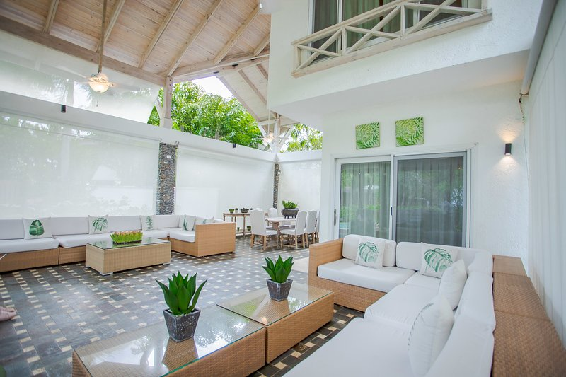Awesome 2floor Villa w/Private Mini Pool (TH7), holiday rental in El Limon