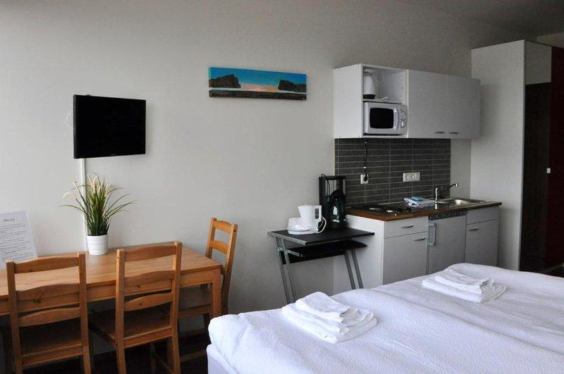 Economy studio - 204, vacation rental in Hafnarfjordur