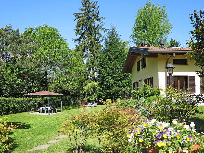 Silvana (LVM200), vacation rental in Laveno-Mombello