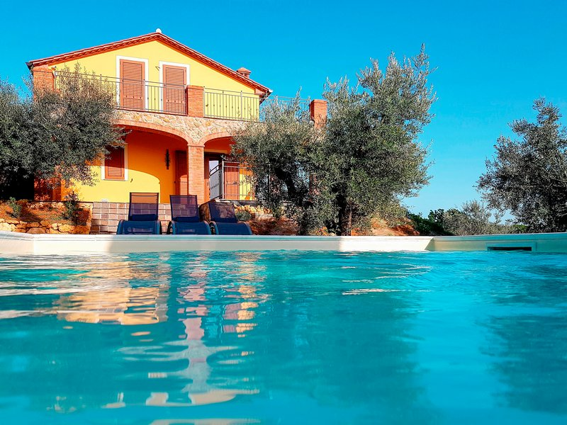 Villa L' Olivo (GUA120), holiday rental in Montescudaio