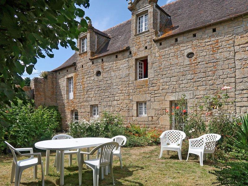 Le Manoir (LOY111), location de vacances à Pont-l'Abbe