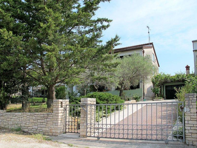 Divna (PUL578), holiday rental in Valbandon