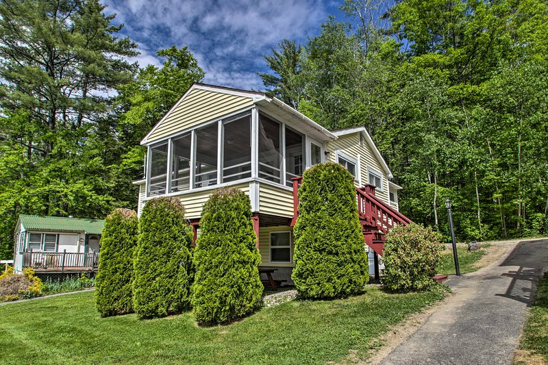NEW! Homey Laconia Cottage w/Private Porch & Grill, holiday rental in Laconia