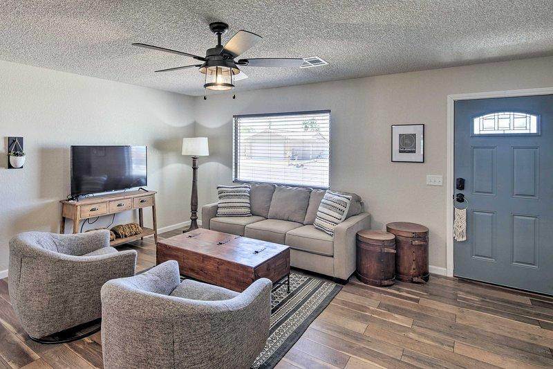 Updated Home w/Patio, 5 Mins to Lake Havasu!, holiday rental in Lake Havasu City