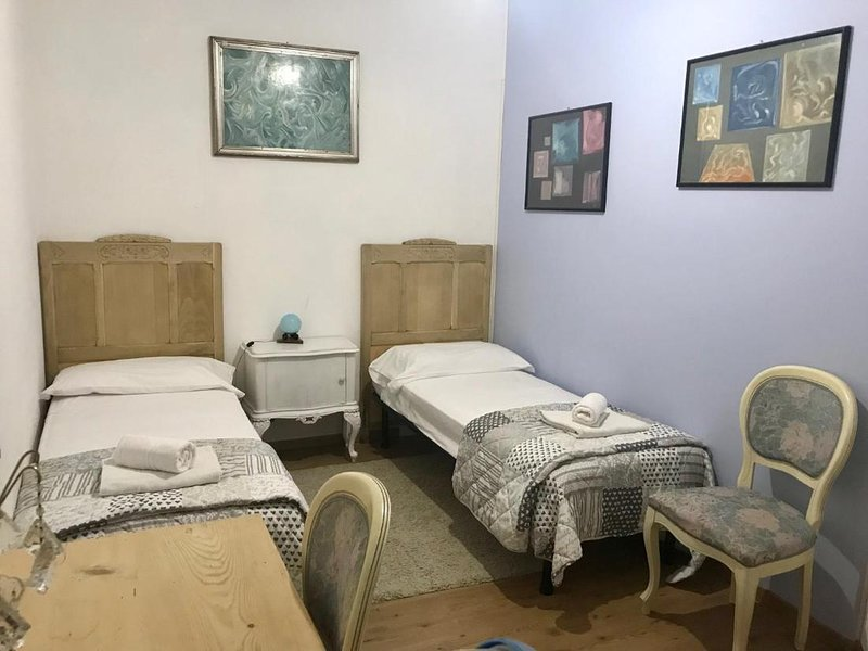 Camera preziosa matrimoniale, casa vacanza a Caprile