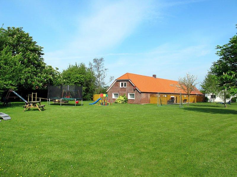 Amazing home in Friederikensiel with 3 Bedrooms, location de vacances à Friederikensiel